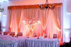 Dekoracje światłem i oświetlenie wesel