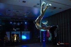 taniec-na-rurze-pokaz-pole-dance