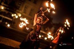 Teatr ognia - taniec z ogniem