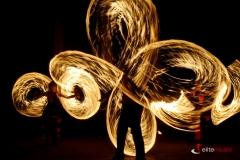 Taniec z ogniem to widowiskowe wzory