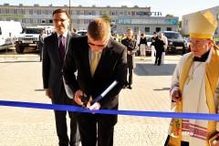 Uroczyste przecięcie wstęgi - otwarcie nowej siedziby firmy Dachland