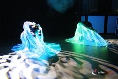 Efektowne skrzydła ledowe podczas pokazu w Ostródzie