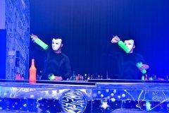 Pokaz barmański UV to futurystyczny pokaz