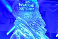 RZeźba lodowa jako efekt finalny pokazu rzeźbienia w lodzie