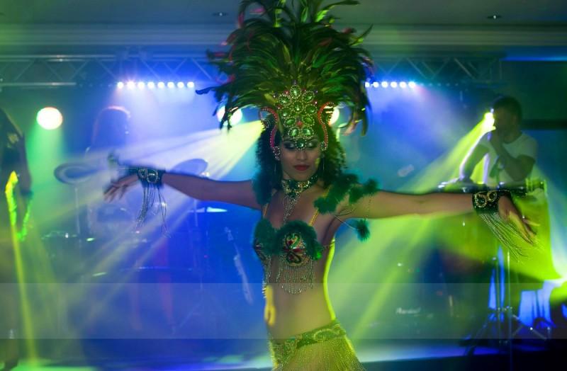 19-PORTFOLIO-ELITE-MUSIC-AGENCJA-EVENTOWA-pokaz-taneczny