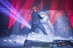 Technika na potrzeby pokazu rzeźbienia w lodzie