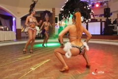 Brazylijska samba w wykonaniu tancerek podczas imprezy tematycznej