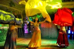 Taniec egipski w trakcie wieczoru