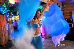 Fanwelie w występie orientalnym tancerki