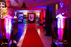Udekorowany hol - wejśćie do sali głównej hotelu