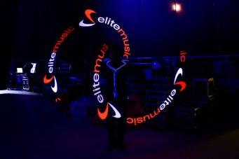 logoshow to efektowna ekspozycja logo firmy w powietrzu
