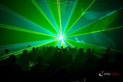 Pokaz laserów wraz w występem skrzypaczki